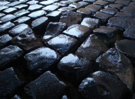 Roma: asfalto sui sampietrini. Attivata raccolta firme